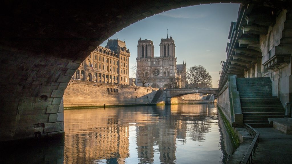 Notre Dame's cathedral viewed from the Seine river