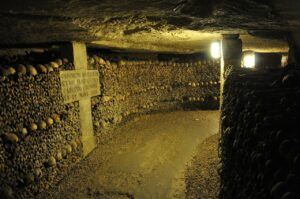 Tour in the Catacombs of Paris