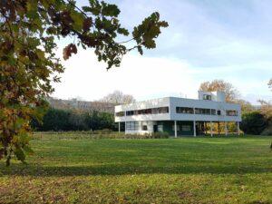Villa Savoye by Le Corbusier-the white box