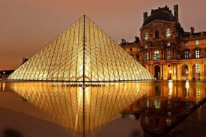 The entrance of the Louvre Museum by Ion Ming Pei, Paris, France